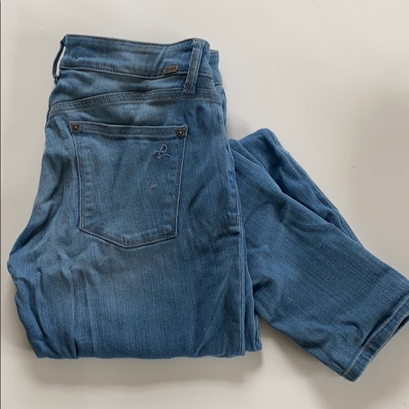 DL1961 Denim